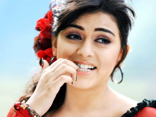 Hansika postpones her 50th movie announcement!