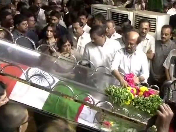 Rajini pays tribute to Karunanidhi