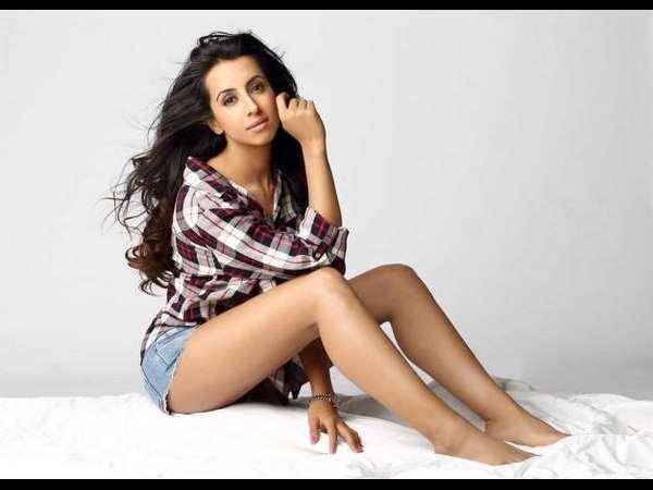 என்னை ஏமாற்றிவிட்டார்: இயக்குனர் மீது நடிகை பரபரப்பு புகார் #MeToo