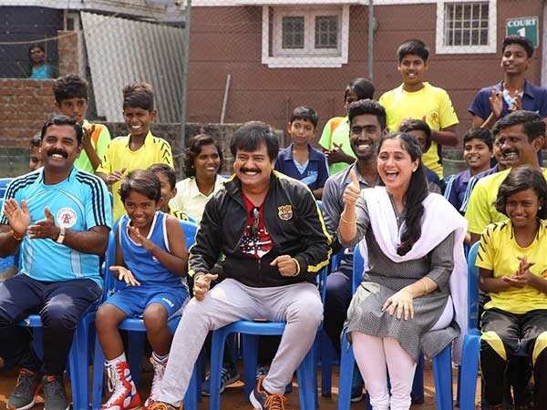 விஷால், தனுஷுக்கு ஓகே... ஆனா விவேக்குக்கு... தியேட்டர் கிடைக்காமல் தவிக்கும் 'எழுமின்'!