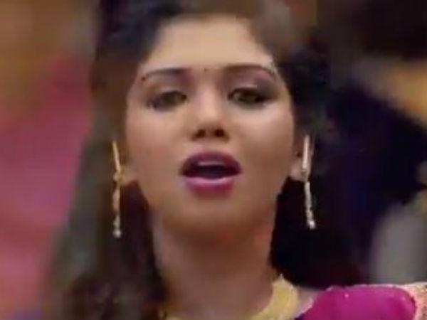 ஓவியா நடித்த அதே கடை விளம்பரத்தில் ரித்விகா: மேக்கப் தான் ப்ப்ப்பா...