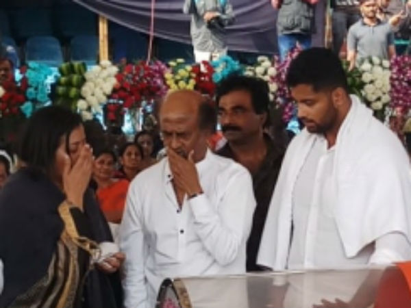 Rajini gets emotional while paying tributes to Ambareesh