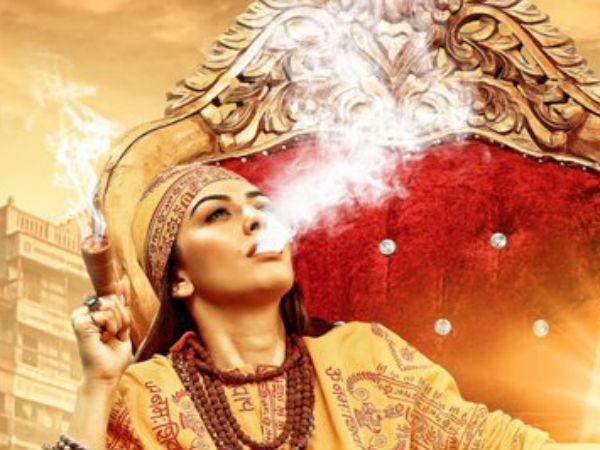 சர்ச்சையில் சிக்கிய மஹா போஸ்டர்.. இது சும்மா சாம்பிள் தான்.. இன்னும் நிறைய இருக்கு: ஹன்சிகா