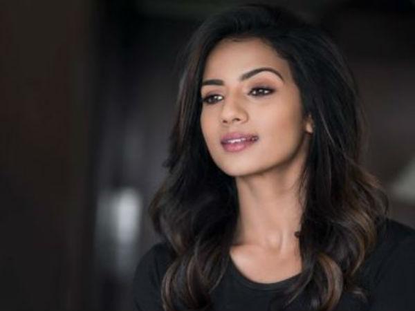 வாரத்திற்கு 3, இப்போ ஒன்னு கூட இல்லை: நடிகை ஸ்ருதி ஹரிஹரன் வேதனை