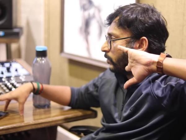 LKG: டப்பாவ கிழிச்சான்... கொய்யால தெறிக்கவுட்டான்... ஆர்ஜே பாலாஜியின் அடுத்த அட்ராசிட்டி!