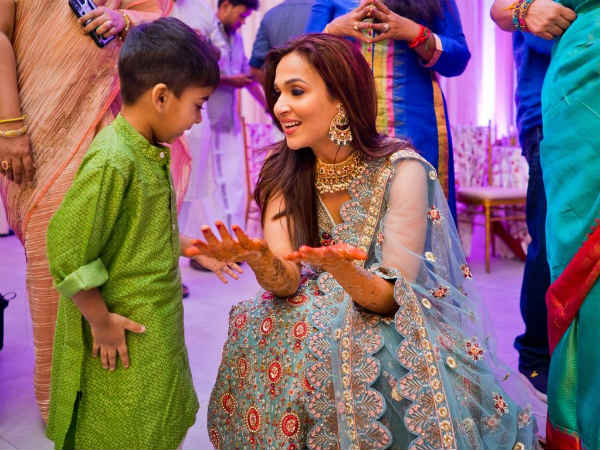This picture of Soundarya with son is too cute to miss