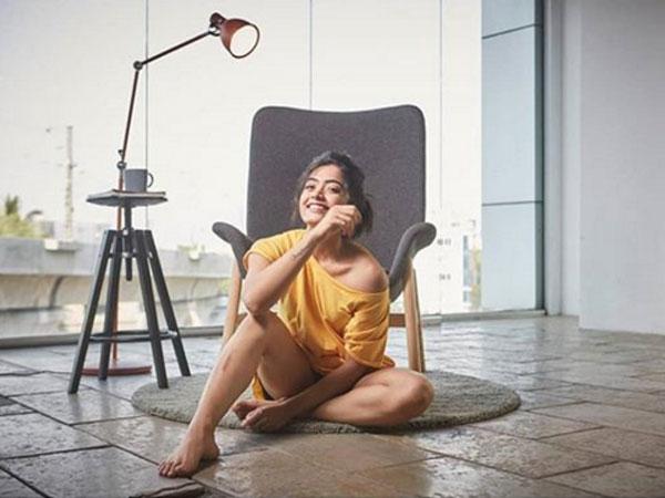 பேண்ட் எங்கம்மா?: கார்த்தி ஹீரோயினை வெளுத்து வாங்கிய நெட்டிசன்கள்
