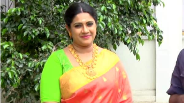 சின்ன வயசுதான் சீரியல்ல அம்மாவாக நடிக்கிறேன்... நாயகி வசந்தி இன்டர்வியூ