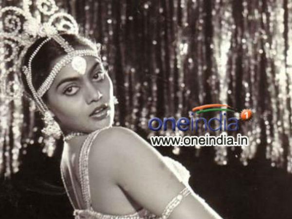 என்றைக்கும் மறக்க முடியாத சில்க் ஸ்மிதா... சினிமா ரசிகர்களின் நீங்காத நினைவுகள்