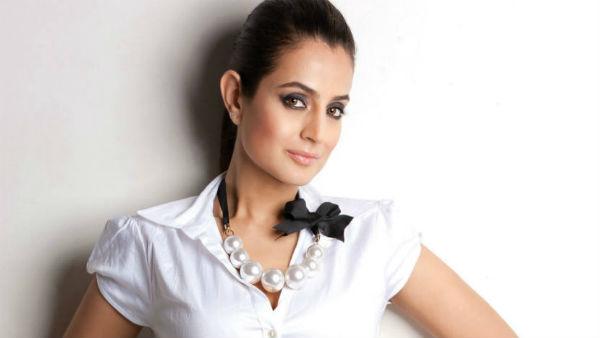 செக் மோசடி.. கோர்ட்டுக்கும் டேக்கா.. விஜய் பட நடிகைக்கு கைது வாரண்ட்! எந்நேரமும் கைதாகலாம்!