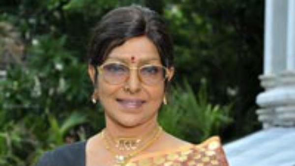 பிரபல நடிகை மறந்த சம்பள பாக்கி… 40 ஆண்டுக்கு  பிறகு கொடுத்த தயாரிப்பாளர்