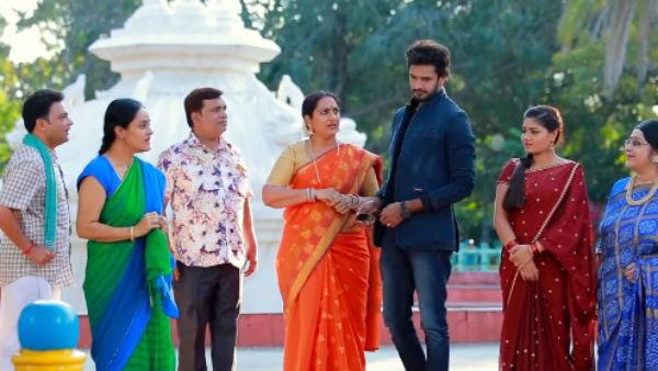 Roja Serial: கிரேசி டைம் வினோதினி... திரும்ப வந்துட்டாங்க!