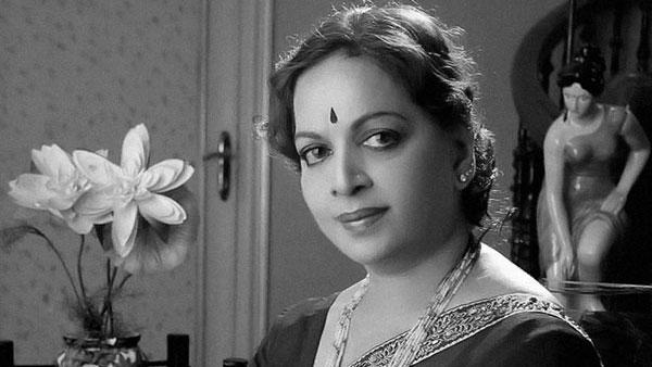 பிறந்த நாள் - சினிமா கலைஞர்கள்  - Page 21 Vijaya-nirmala-biopic02-1587907315