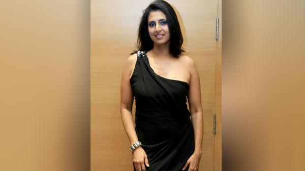 பிகினியில் அது தெரிய.. கலக்கல் போஸ் கொடுத்த நடிகை கஸ்தூரி !