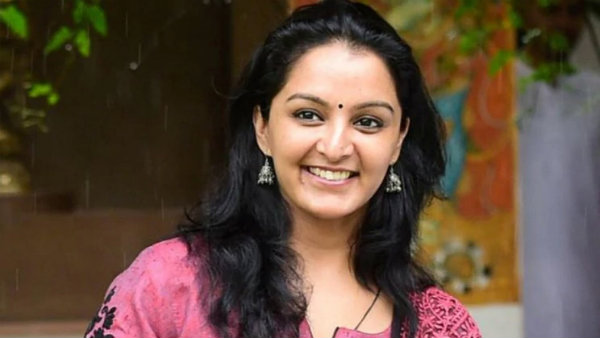 உஷாரா இருங்க.. இது நான் இல்லை... மஞ்சுவாரியரின் ரசிகர்கள் ஷாக் !