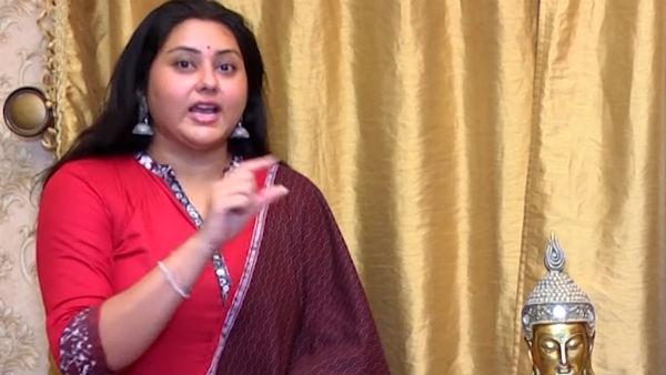 அது ஒரு கேம் ஷோங்க.. ரியாலிட்டி எல்லாம் கிடையாது.. பிக் பாஸ் நிகழ்ச்சி குறித்து நமிதா பேட்டி!