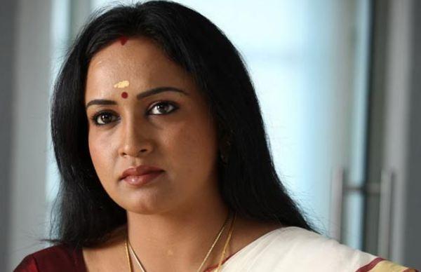 'எனக்கு கொரோனா இல்லை, இல்லவே இல்லை, அதை நம்பாதீங்க..' பிரபல நடிகை திடீர் மறுப்பு!