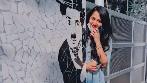 இணையத்தை கலக்கிய அனுஷ்காவின் சார்லி சாப்ளின் ஃபோட்டோ