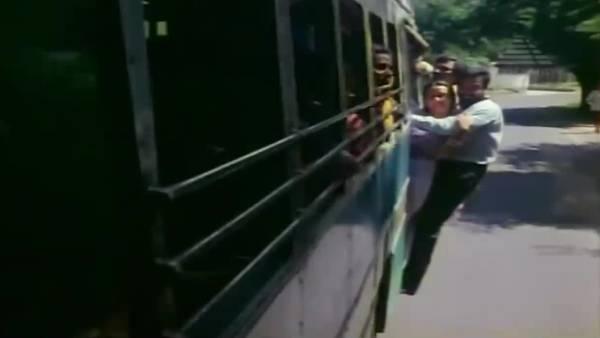 """Flashback.. """"லதாம்மா""""வுக்காக.. ஈஸியாக போட்ட வார்த்தைகள்.. """"வளையோசை கல கல""""!"""