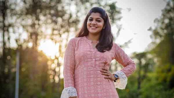 அட நல்லாருக்கே...பாக்யராஜ் பட டைட்டிலில் நடிக்கும் அபர்னா பாலமுரளி
