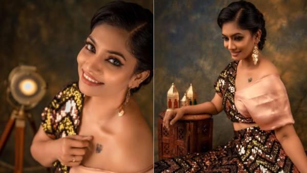 மார்பில் டாட்டூ.. கையால் மறைத்து.. கலக்கும் கிருத்திகா.. கிறுகிறுத்துப் போன ரசிகர்கள்!   Metti Oli Krithika rocks with new tatto on her chest