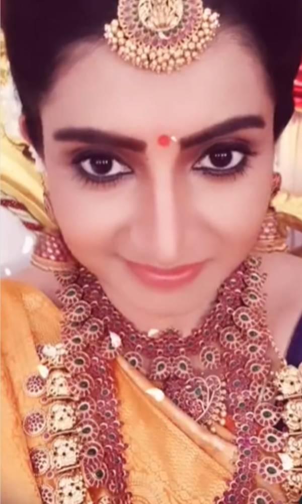 கண்ணழகி சுஜிதா