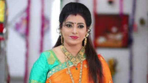 ரோசாப்பூ.. சின்ன ரோசாப்பூ.. பிக் பாஸ் சீசன் 5க்கு வராங்களாம் பிரியா ராமன்.. முதல் எவிக்ஷனுக்கா?