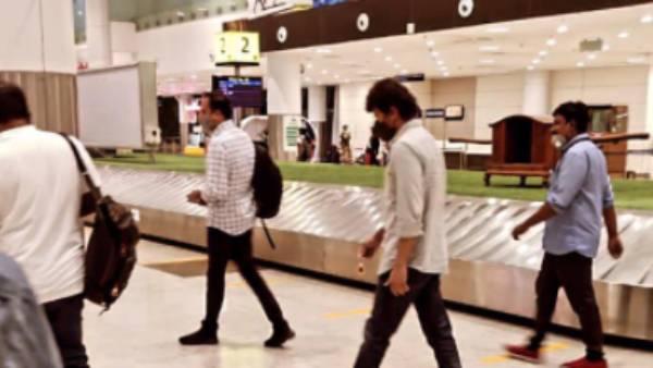 டெல்லி விமான நிலையத்தில் விஜய்.. பீஸ்ட் மோடில் புகைப்படங்களை வைரலாக்கும் தளபதி ரசிகர்கள்!