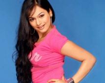 http://tamil.filmibeat.com/img/2007/12/kalyani-250_06122007.jpg
