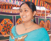 https://tamil.filmibeat.com/img/2008/01/vindhya250_26012008.jpg
