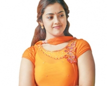 http://tamil.filmibeat.com/img/2008/02/meena-005-250_06022008.jpg