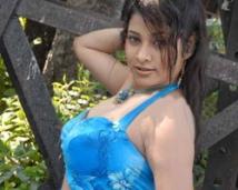 http://tamil.filmibeat.com/img/2008/03/madhavi-250_22032008.jpg