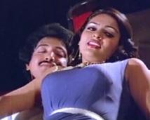 http://tamil.filmibeat.com/img/2008/04/madhavi-250_14042008.jpg