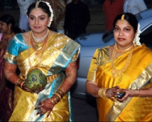 https://tamil.filmibeat.com/img/2008/05/ravali-sister-250_30052008.jpg