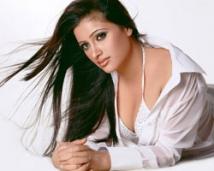 http://tamil.filmibeat.com/img/2008/06/navneeth-kaur4-250_16062008.jpg