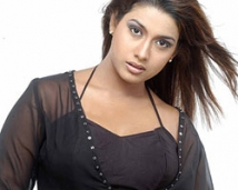 http://tamil.filmibeat.com/img/2008/06/rakshidha4-250_24062008.jpg