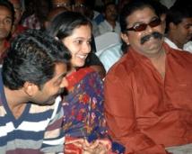 http://tamil.filmibeat.com/img/2008/07/Mysskin-Narain-250_02072008.jpg