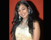 http://tamil.filmibeat.com/img/2008/07/poornith250._11072008.jpg