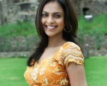 http://tamil.filmibeat.com/img/2008/09/Richa-Pallod-250_09092008.jpg