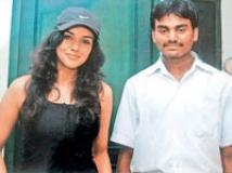 https://tamil.filmibeat.com/img/2009/03/19-asin-nallamuthukumar-200.jpg