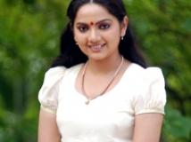 https://tamil.filmibeat.com/img/2009/04/03-samvritha-200.jpg
