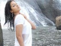 https://tamil.filmibeat.com/img/2009/07/11-keerti4200.jpg