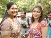 http://tamil.filmibeat.com/img/2009/08/19-bhoomikase-kavitha200.jpg