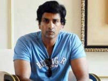 http://tamil.filmibeat.com/img/2009/10/16-bharath-reddy-200.jpg