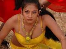 http://tamil.filmibeat.com/img/2009/10/22-sindhutulani200.jpg