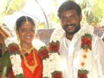 https://tamil.filmibeat.com/img/2009/11/10-tarungopi-janu-200.jpg