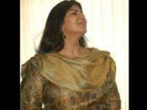 http://tamil.filmibeat.com/img/2009/11/27-swarnamalya-200.jpg