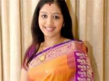 http://tamil.filmibeat.com/img/2010/04/15-gopika-200.jpg
