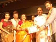 http://tamil.filmibeat.com/img/2010/04/21-yg-family200.jpg