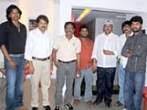 https://tamil.filmibeat.com/img/2010/07/18-kalavani200.jpg